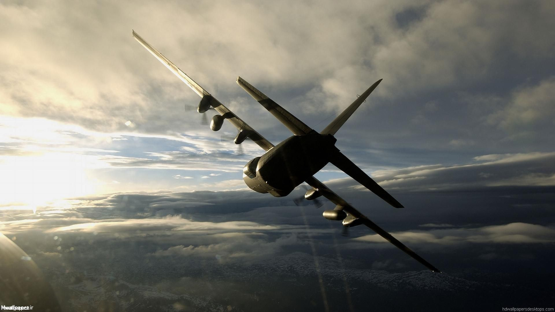 والپیپر هواپیما در آسمان آبی